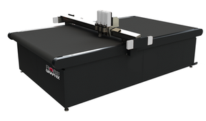 "TRIPLE-HEAD FLATBED HIGH SPEED DIGITAL CUTTING SYSTEM 52""X68"""